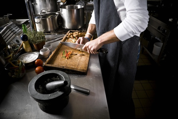 5 Steps to Get in Formation as a Female Chef! (2 min read)