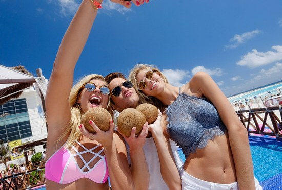 10 Reasons to Look Forwards Towards Spring Break (1 min read)